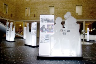 Blick in die Ausstellung in der Geschäftszentrale, Königinstraße, München